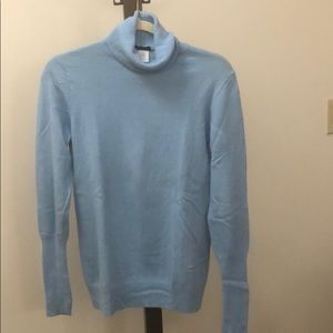 J. Crew turtle neck sweater. Wool cashmere blend.
